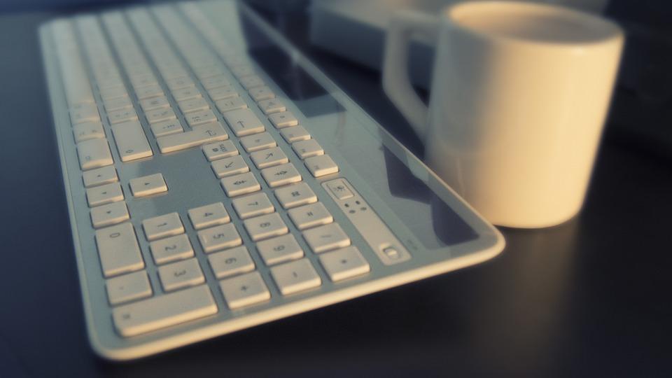 keyboard-561124_960_720[1]