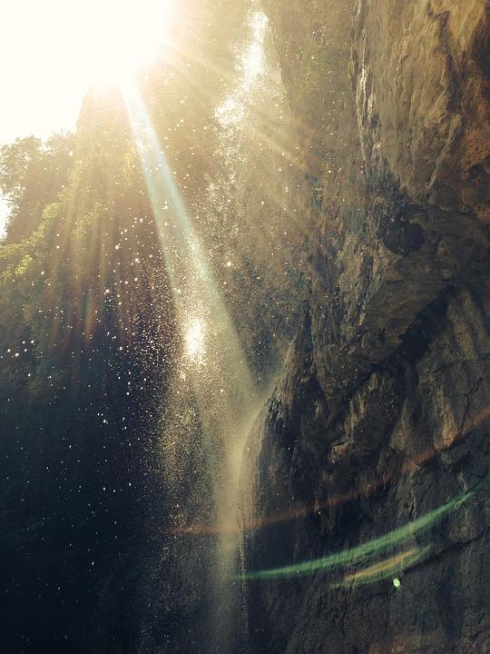 waterfall-918713_960_720[1]