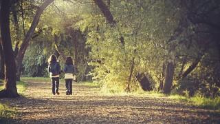 「不安」に押しつぶされそうな時は、歩く瞑想を
